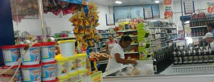 32f02f38d Compre Mais Supermercado is one of Mercados e Supermercados em Cuiabá.