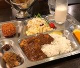三崎港でマグロを味わい、横須賀でカレーを頬張る三浦半島の旅