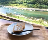 夏の太陽にきらめく、太平洋の絶景を巡る高知旅