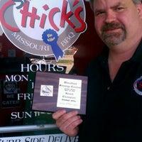 4/3/2012 tarihinde Lissa G.ziyaretçi tarafından Smokin' Chicks BBQ'de çekilen fotoğraf