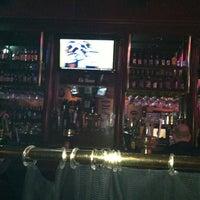 รูปภาพถ่ายที่ Lazy Boy Saloon & Ale House โดย Tony B. เมื่อ 9/3/2012