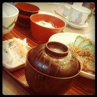 Foto diambil di Tanabe Japanese Restaurant oleh Cherry Rosales w. pada 5/29/2012