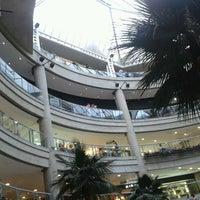 Foto tomada en C.C. El Recreo por Hector G. el 7/18/2012