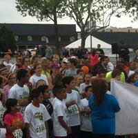 รูปภาพถ่ายที่ Nichols Hills Plaza โดย Ashlee . เมื่อ 4/14/2012