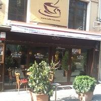 2/12/2012 tarihinde Hakan K.ziyaretçi tarafından Cafe Rea'de çekilen fotoğraf