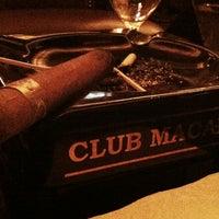 Photo prise au Club Macanudo par Zach M. le4/15/2012