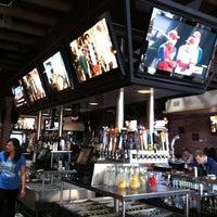 Foto diambil di True North Tavern oleh Lisa M. pada 4/21/2012