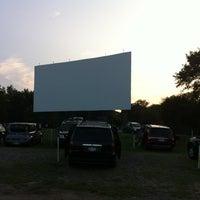 Foto tirada no(a) Bengies Drive-in Theatre por Britteny em 8/4/2012