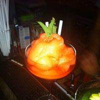 รูปภาพถ่ายที่ Mojito Lounge & Club โดย Resul A. เมื่อ 7/18/2012
