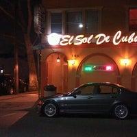 รูปภาพถ่ายที่ Sol de Cuba โดย Cris M. เมื่อ 3/18/2012
