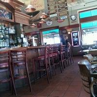 Foto tirada no(a) Downtown Joe's Brewery & Restaurant por Kathryn G. em 5/22/2012