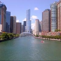 7/28/2012 tarihinde Kate T.ziyaretçi tarafından Chicago Riverwalk'de çekilen fotoğraf