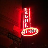 Foto scattata a Legal Sea Foods da Cruise Radio il 7/15/2012