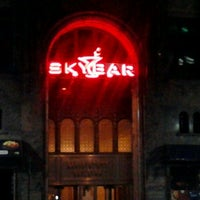 Foto tomada en Skybar Lounge por Felton B. el 6/7/2012