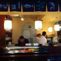 รูปภาพถ่ายที่ Tokyo Sushi โดย Neelu M. เมื่อ 7/24/2011