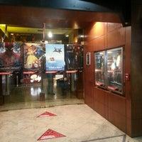 Foto tirada no(a) Cines del Sol por Jhons W. em 8/26/2012