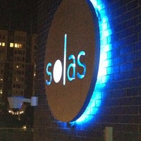 Снимок сделан в Solas Lounge & Rooftop Bar пользователем Keith G. 4/13/2012