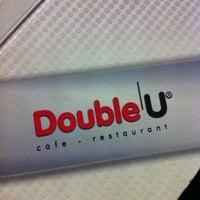 Foto tirada no(a) Double U por Ozer S. em 8/31/2012