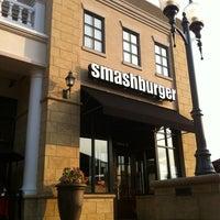 Photo prise au Smashburger Stonecrest Charlotte par Adam H. le9/2/2011