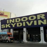 4/2/2011 tarihinde Kristine R.ziyaretçi tarafından Vegas Indoor Skydiving'de çekilen fotoğraf
