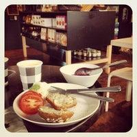 7/29/2012 tarihinde Markus Y.ziyaretçi tarafından SIS. Deli + Café'de çekilen fotoğraf