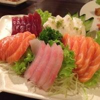Foto tomada en Restaurante Sushi Tori | 鳥 por Milena S. el 7/1/2012