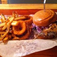 Das Foto wurde bei Bareburger von Elizabeth M. am 1/31/2012 aufgenommen