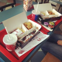 Das Foto wurde bei KFC von Brotigan am 7/21/2012 aufgenommen