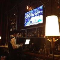 Foto tirada no(a) The Carnegie Club por Joseph W. em 3/18/2012