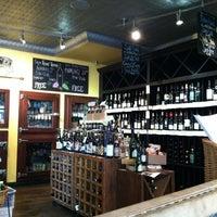 Foto scattata a Pastoral Artisan Cheese, Bread & Wine da Joe O. il 2/20/2012