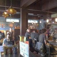 Photo prise au Vita Cafe par Casey R. le2/13/2011