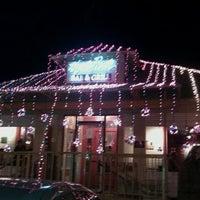 Das Foto wurde bei Hyde Park Bar & Grill von Laney C. am 1/2/2012 aufgenommen