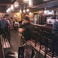 Foto diambil di Shannon's Irish Bar oleh Sergey D. pada 8/26/2012