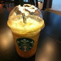 4/28/2012에 Lilian X.님이 Starbucks에서 찍은 사진