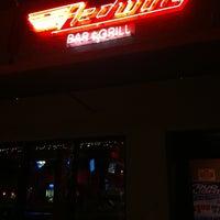 Снимок сделан в Redwing Bar & Grill пользователем Conrad & Jenn R. 9/23/2011