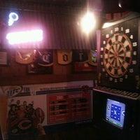Foto diambil di Illinois Bar & Grill oleh Laura C. pada 10/23/2011