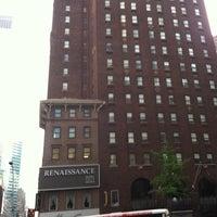 Foto diambil di Renaissance New York Hotel 57 oleh Kevin M. pada 5/5/2011