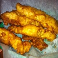 รูปภาพถ่ายที่ Village Tavern & Grill โดย Dave T. เมื่อ 1/28/2012