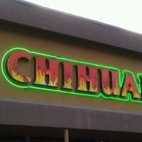 รูปภาพถ่ายที่ El Chihuahua โดย Kevin R. เมื่อ 7/21/2012