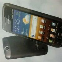Das Foto wurde bei Samsung Mobile Kelapa Gading von Dandun W. am 1/28/2012 aufgenommen