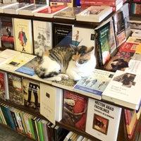 Foto tirada no(a) Librería El Virrey por miki em 2/27/2012