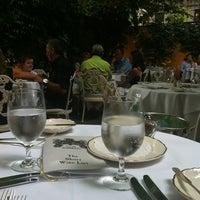 Das Foto wurde bei Barbetta von Karolina S. am 7/13/2012 aufgenommen