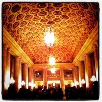Foto scattata a War Memorial Opera House da Julianne C. il 2/15/2011