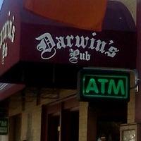 5/19/2012にTamara T.がDarwin's Pubで撮った写真