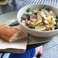 Photo prise au Panera Bread par Rose F. le9/3/2011