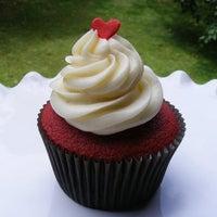 2/7/2012에 Maria Rachel D.님이 FairyLand Cupcakes에서 찍은 사진