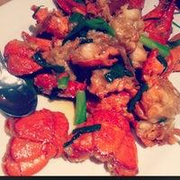 Снимок сделан в Super Star Asian Cuisine пользователем Julianne K. 9/3/2012
