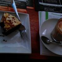 Снимок сделан в 108 Coffee House пользователем Andrew A. 6/8/2012