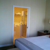 Снимок сделан в Hotel Zelos пользователем Paddy M. 2/9/2012