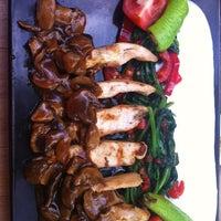 6/24/2012 tarihinde Burcu T.ziyaretçi tarafından Table'de çekilen fotoğraf